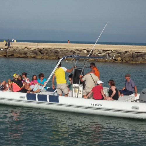 COSTA IBLEA ON BOARD AN EXPERT RUBBER BOAT WITH SKIPPER